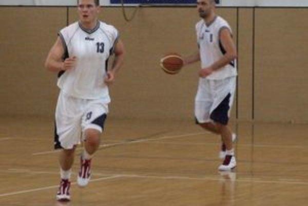 Vo farbách Lučenca už tradične najviac bodovali Stano Galovič (vľavo) a Mišo Tarabus.