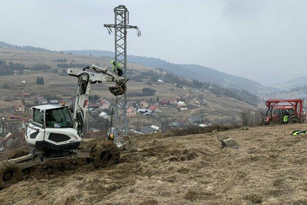 Rekonštrukcia vedenia v Dlhej nad Oravou.