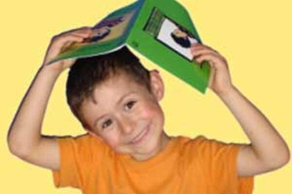 Deti, ktoré čítajú, majú lepšiu pojmovú zásobu, lepšie komunikujú a sú zručnejšie vo vyjadrovaní.