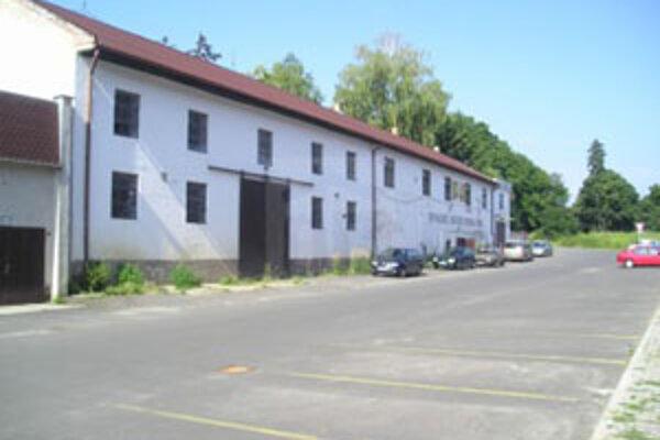 Budovu bývalých vinárskych závodov kúpila spoločnosť Anulum.