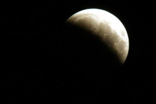 Ďalšiu šancu uvidieť zatmenie Mesiaca budeme mať 10. decembra.