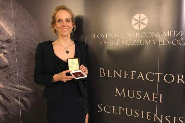 Lenka Vargová Jurková prevzala cenu za propagáciu Spišského hradu.