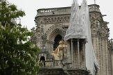 Zničenú Notre-Dame ochránia pred dažďom plachty (fotogaléria)