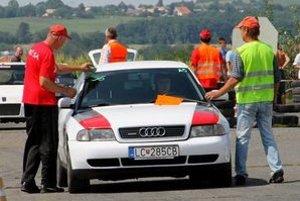 Patrik Svediak v kokpite Audi A4.