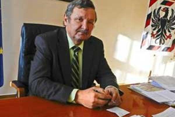 Jozef Šimko chce premiéra upozorniť na zlú politicko-ekononomickú situáciu v meste.