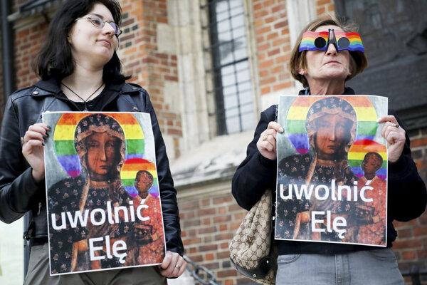 Z demonštrácie na podporu Elžbiety Podlešnej.