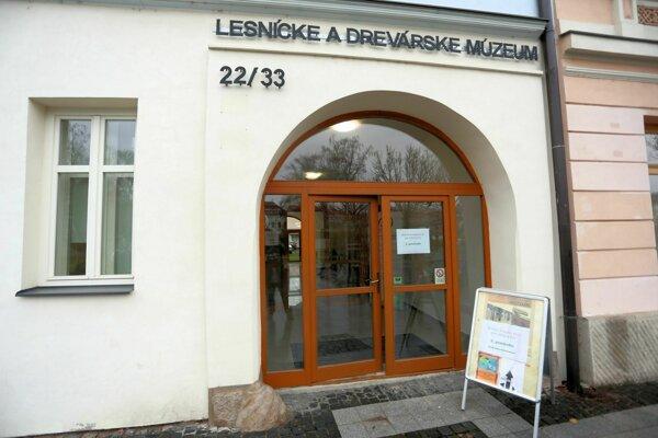 Lesnícke a drevárske múzeum vo Zvolene.