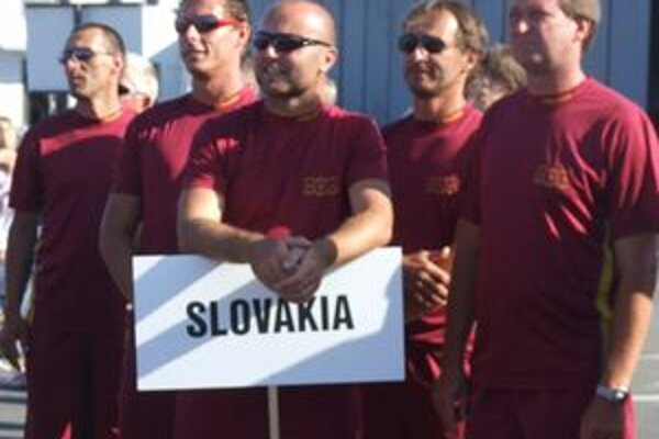 Slováci dokázali, že patria medzi svetovú parašutistickú špičku.