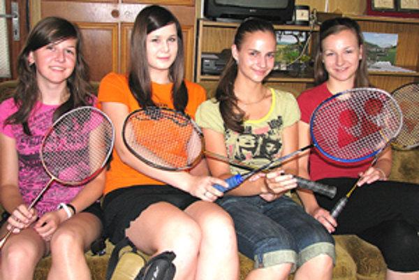 Štvorica šarmantných dievčat reprezentuje svoju obec aj za hranicami.