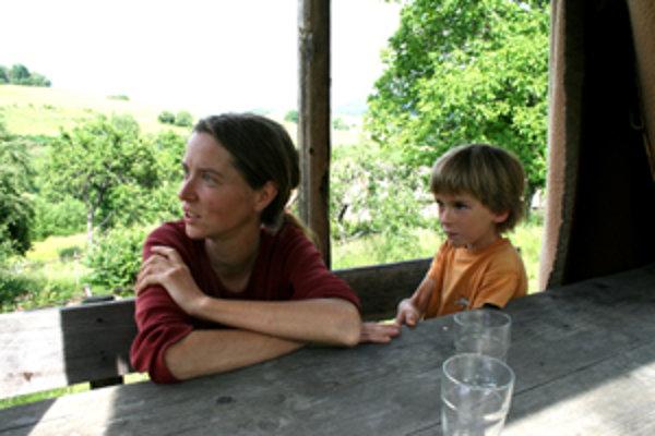 Erika a jej syn chcú žiť v súlade s prírodou.