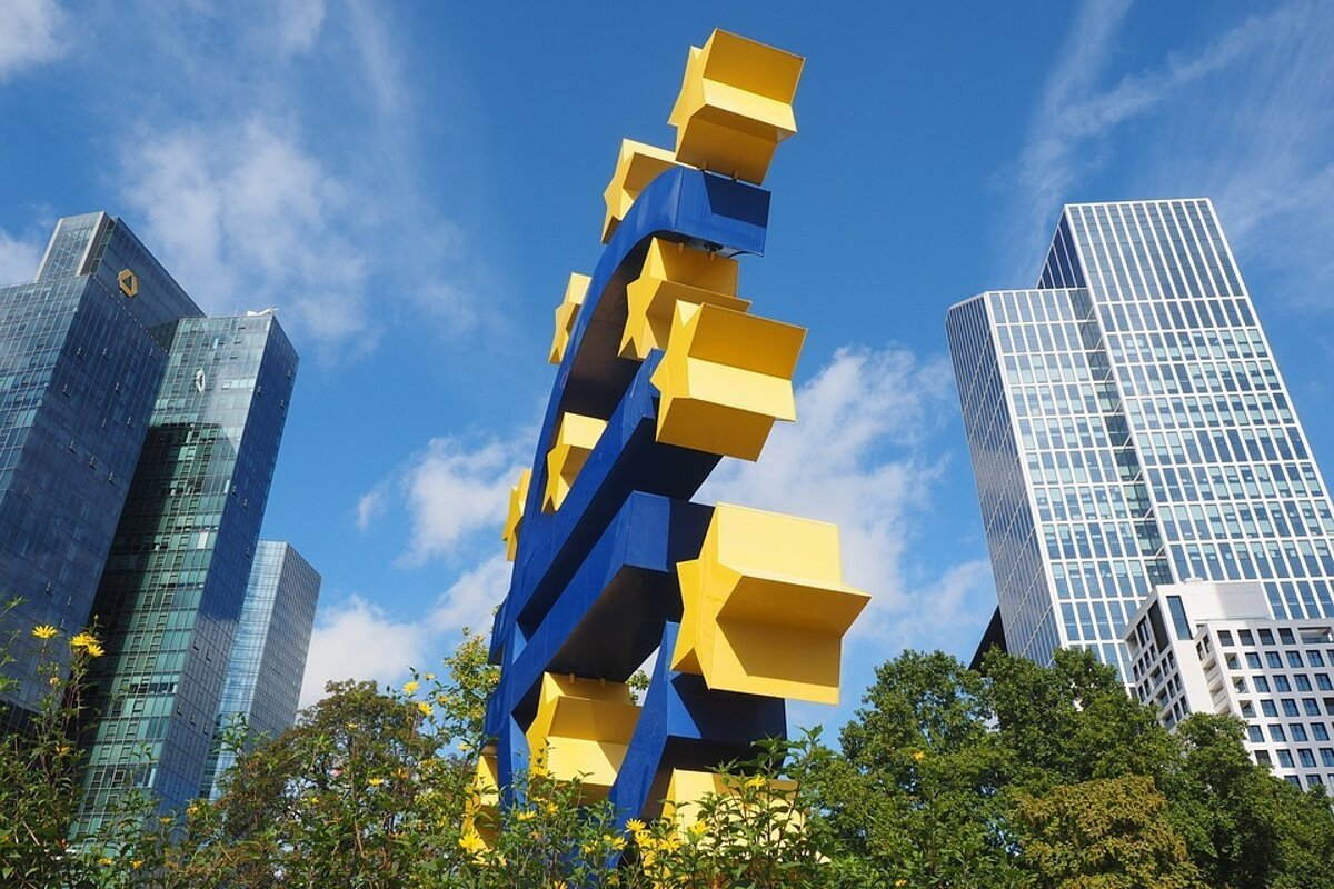 6ee52f38dafd Kedy zaplatíme v Česku eurom  Pýtali sme sa analytikov - Ekonomika SME