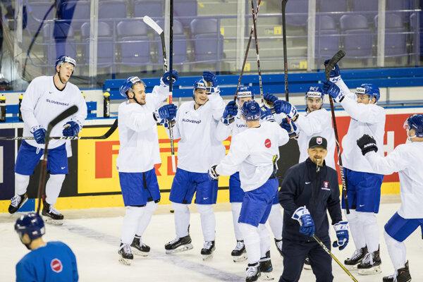 Hráči slovenska počas tréningu slovenskej reprezentácie deň pred začiatkom Majstrovstiev sveta v ľadovom hokeji 2019.