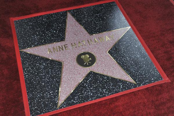Na chodníku slávy pribudla ďalšia hviezda.