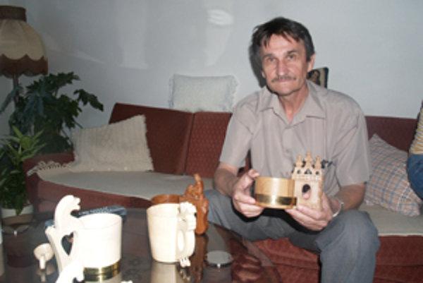 Milan Stieranka zhotovil prvý črpák pred 25 rokmi a má ho odložený dodnes.