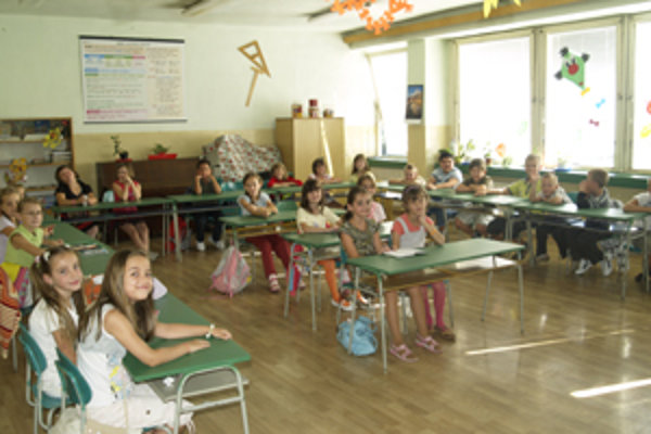 Učitelia stále improvizujú a pomáhajú si všetkými možnými prostriedkami.
