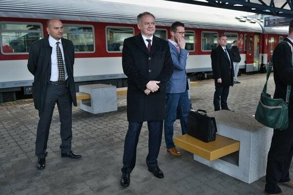 Prezident Andrej Kiska s ochrankou.