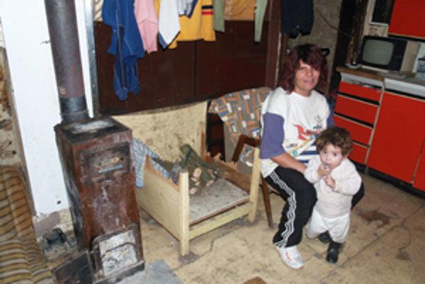 Deväť detí Oláhovcov žije v totálnej chudobe.