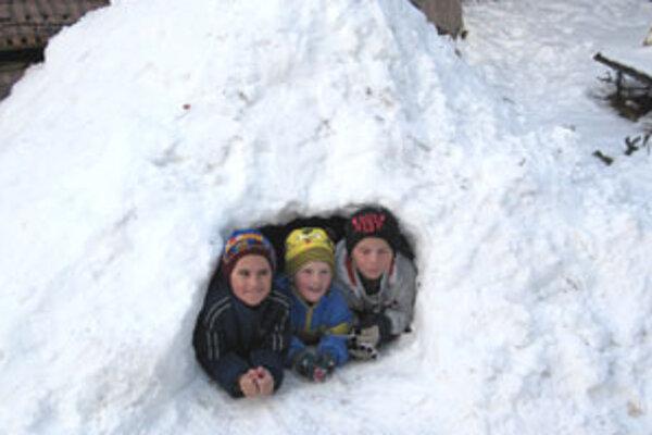 Už aj v Poltári vyrástol príbytok Eskimákov.