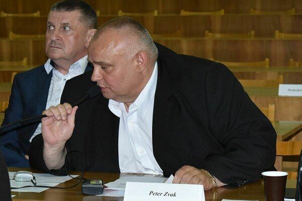 S návrhmi na zmenu prišiel poslanec Peter Zvak.