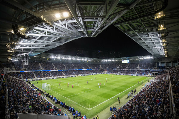 Zápas na Tehelnom poli v marci medzi Slovanom Bratislava a Spartakom Trnava.