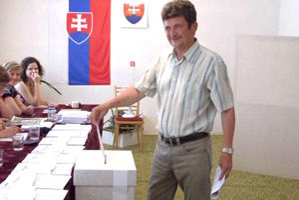 Podľa starostu Buzitky Stanislava Jačmeníka by voľby mali byť povinnosťou pre každého občana Slovenska.