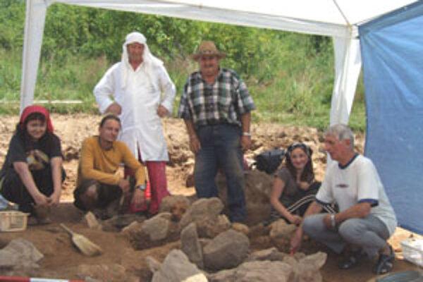 K doposiaľ objavenej keramike a k bronzovým úlomkom pribudla keltská laténska spona.