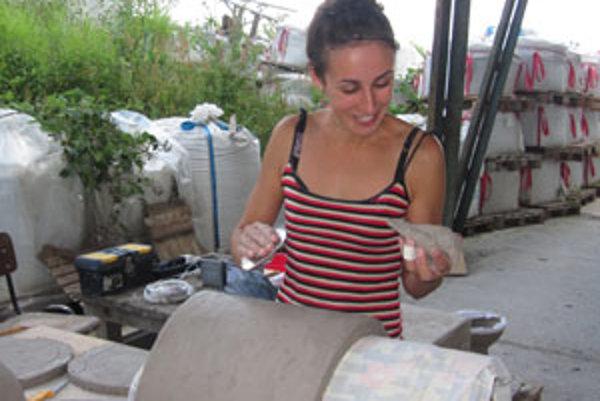 Lucia Fabiánová keramiku vyštudovala a venuje sa jej desať rokov.