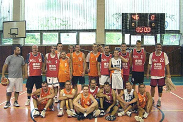 Na 8. ročníku basketbalového turnaja BK ESO FANS si sily zmerali hráči troch tímov.