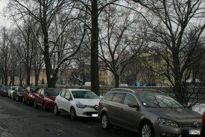 Od mája platia v Poprade nové ceny parkovného.