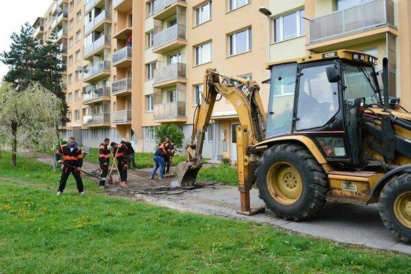 Počas prác na Bernolákovej ulici.