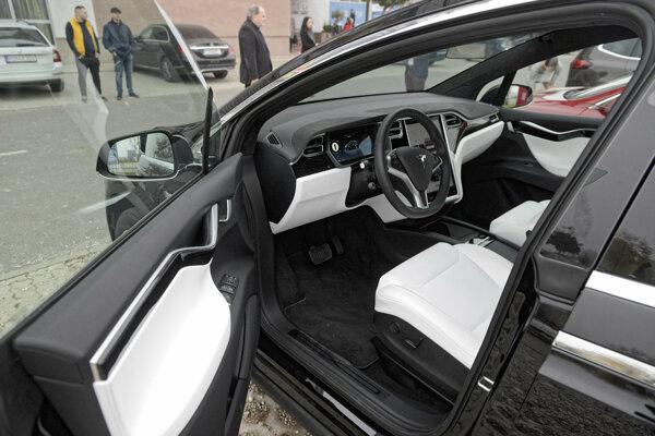 Elektromobil Tesla X.