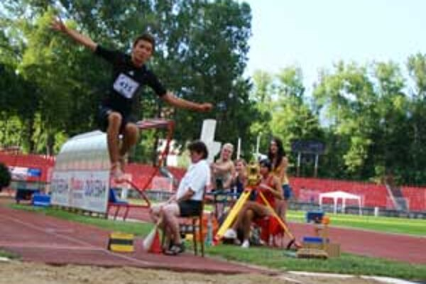 Víťazstvo si vybojoval len Patrik Krnáč v skoku do diaľky - 608 cm.