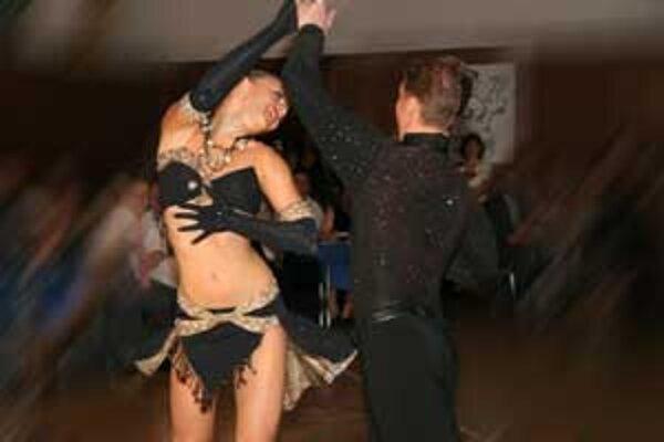 Vďaka médiám sa záujem o tanec postupne zvyšuje.