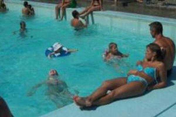 Bazén pred rekonštrukciou.