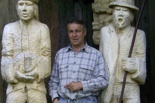 Prvý betlehem v nadživotnej veľkosti vyrobil Dušan Šarkan pred troma rokmi. Dodnes sa pri ňom pristavuje mnoho ľudí a najmä turistov.