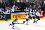 Radosť Fínov po víťazstve v semifinále nad Ruskom na MS v hokeji 2019.