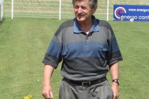 František Vaš sa počas futbalovej jesene opieral o štyri základné piliere z radov hráčov. Medzi toto kvarteto zahrnul aj hrajúceho asistenta trénera Branislava Mráza.