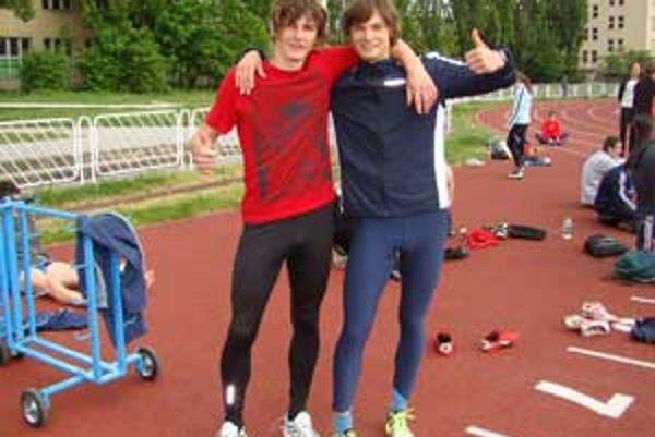 Úspešní mladí atléti Radoslav Ivan a Matej Kminiak.