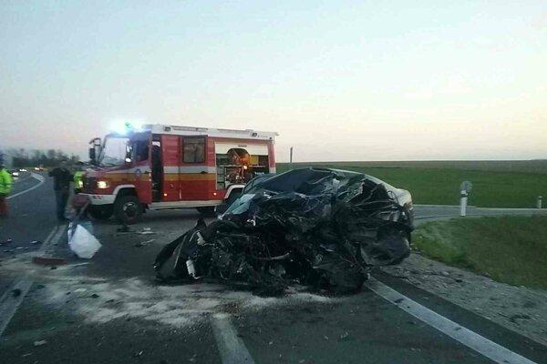 Dopravná nehoda pri Laskári skončila tragicky.