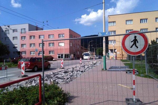 Rekonštrukcia zástavky MHD.