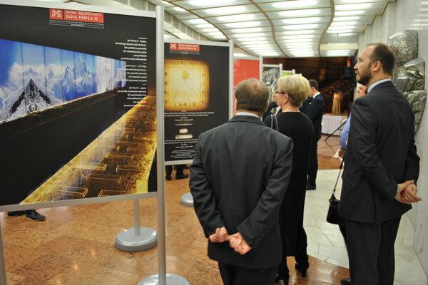 Výstavu pripravili knedožitým 99. narodeninám Jána Pavla II.