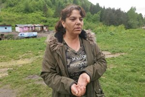 Helena Dunkvá je poslankyňa ObZ. medzi miestnymi robí osvetu.  o platení.