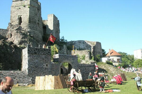V areálu Levického hradu sa uskutočnia slávnosti.