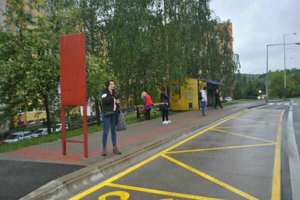 Cestujúci počas posledného štrajku štyri hodiny márne čakali na MHD.