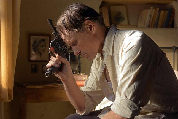 Viggo Mortensen vo filme Ďaleko od ľudí.