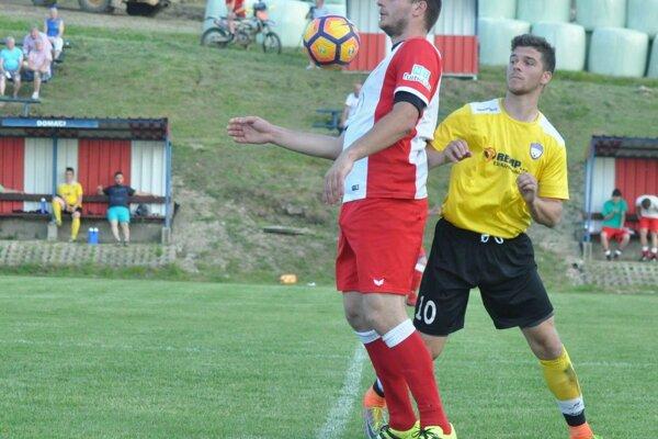 V Podmaníne videli diváci šesť gólov.