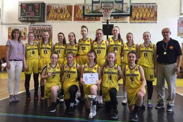 Basketbalistky CBK získali do vitríny ďalšiu majstrovskú trofej.