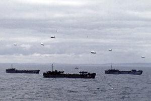 Lode pri pobreží Francúzska 6. júna 1944.