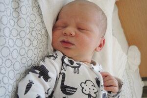 Richard Obeda (3900 g, 53 cm) sa narodil 27. mája Diane a Richardovi z Nového Mesta nad Váhom.