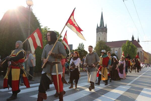 Sprievod kráľa Ondreja III.